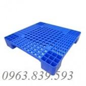 Pallet nhựa công nghiệp dùng xe nâng chất lượng cực tốt