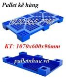 Bán pallet kê hàng, pallet nhựa KT 1000x600mm giá siêu rẻ call 01208652740